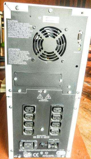 Apc Smart Ups 2200 -Baterías Ok