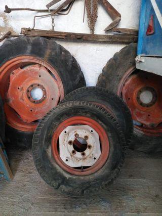 Ruedas y llantas de tractor Fiat 411