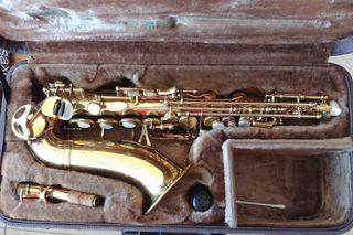 Saxofón soprano curvo vintage