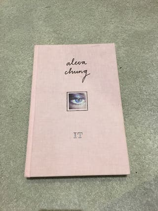 IT. Alexa Chung