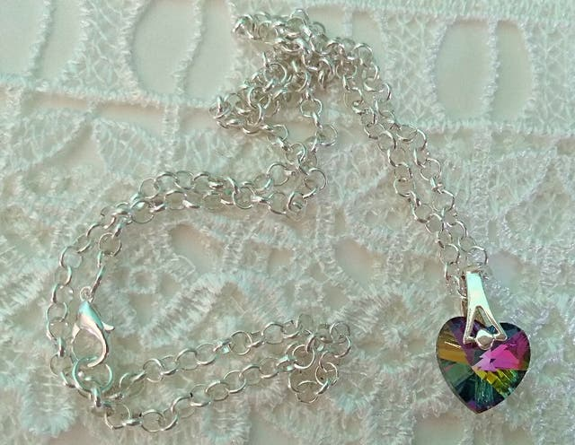 Brand new various items of jewellery