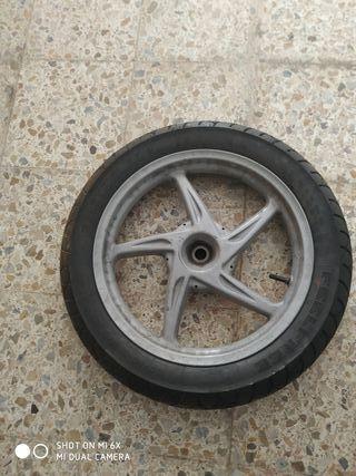 llanta y neumático sh125 o150