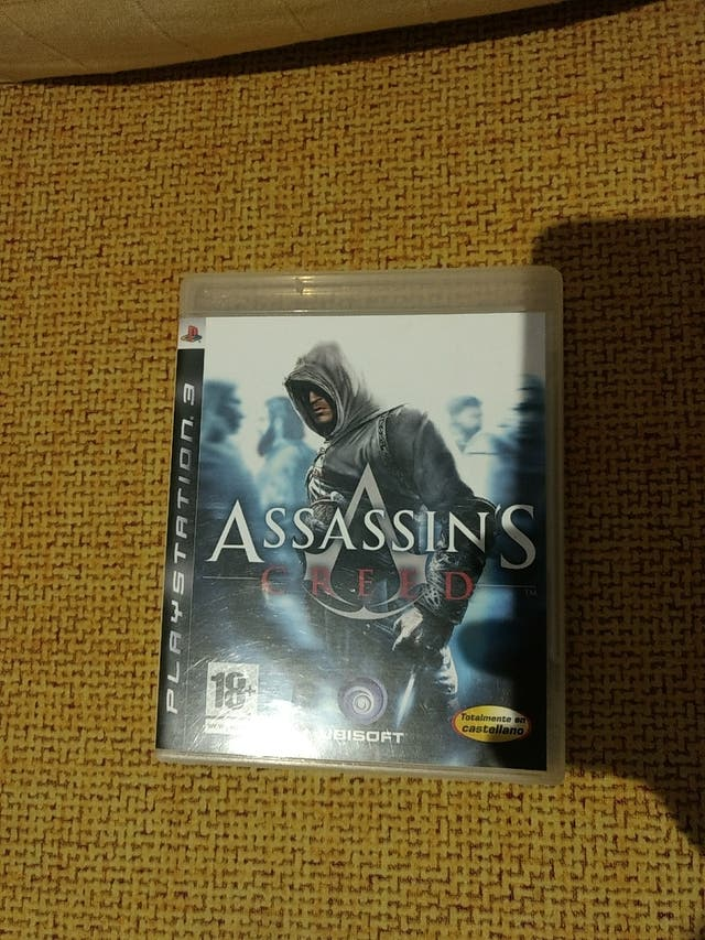 Resistance PS3 Caja Assassins Creed