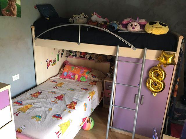Habitación juvenil niña, tren casi nuevo