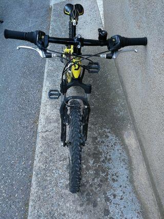 bicicleta infantil .. molt bon estat.