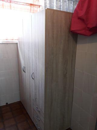 Armario de 3 puertas y 3 cajones