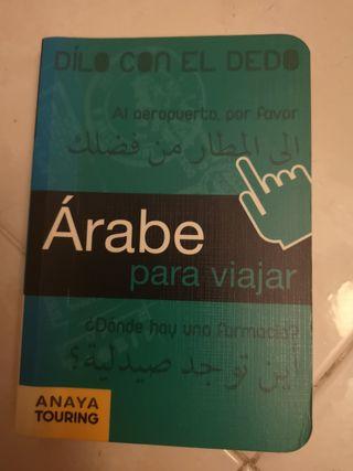 Pequeño libro de árabe.