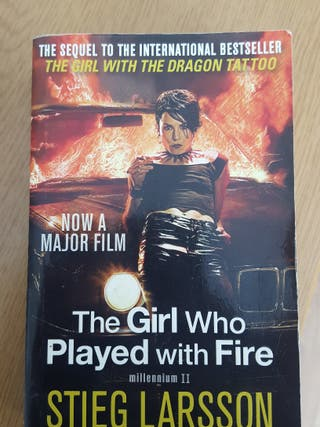 "Libro ingles ""The girl who played with fire"""