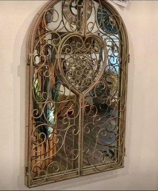 Espejo ventana de hierro