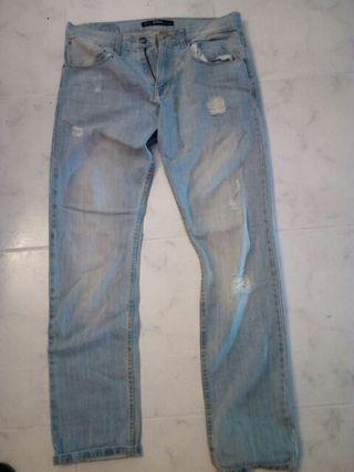 Pantalones lefties