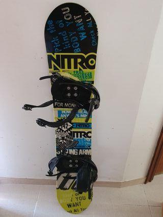 Tabla de snow Nitro + Fijaciones + botas Burton