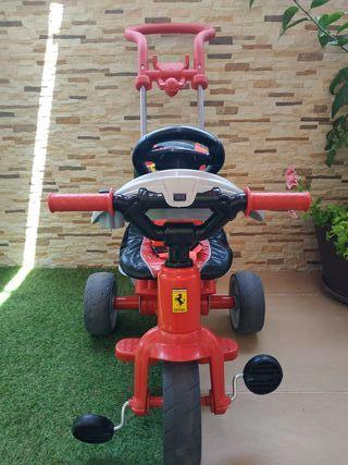 Triciclo Feber Ferrari seminuevo