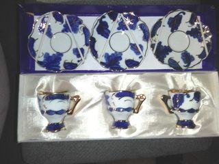 Juego de cafés miniaturas porcelanas