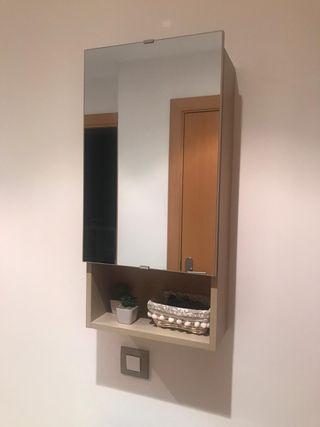 Recibidor con espejo y armario
