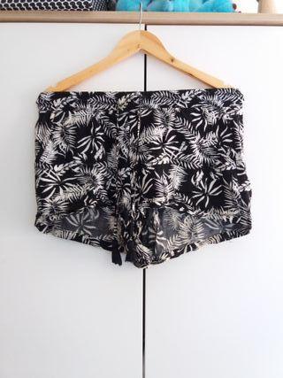 Pantalón con estampado tropical