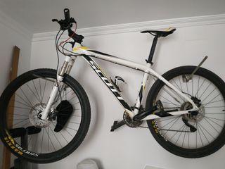 Bicicleta Scott Scale 765