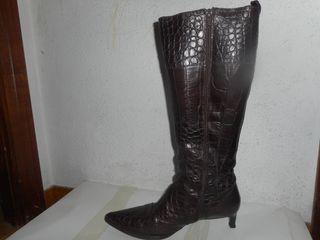 Botas piel mujer tacón altas de segunda mano por 100 € en