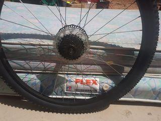 ruedas y cubiertas bicicleta de montaña