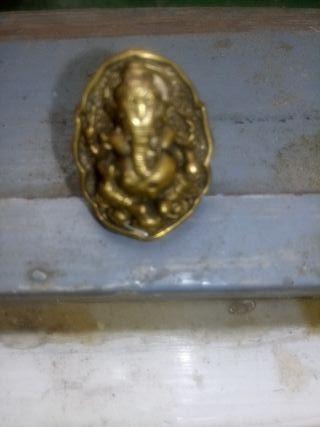 vendo anillo antiguo muy bien conservado
