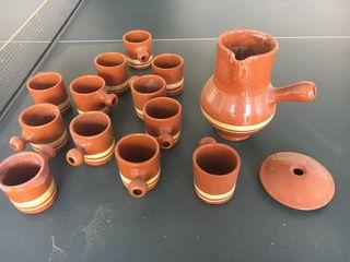 Juego de barro de 12 piezas y jarra