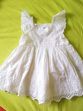 vestido nuevo bebé