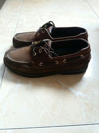 sapatos marrón N 42