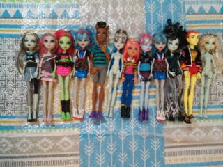 Lote muñecas monster high 15