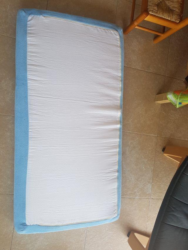 colchón cuna como nuevo