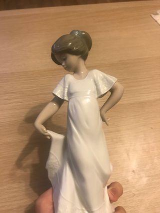 Figura de Porcelana NAO by Lladró