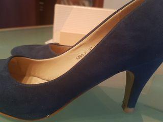 zapato azul marino con tacón talla 37