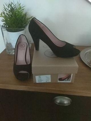 Zapato ante negro, peep toe, Talla 39