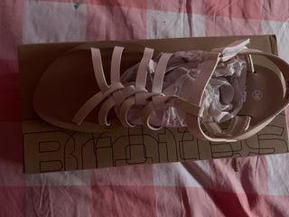 Sandalias talla 38 marca brotes