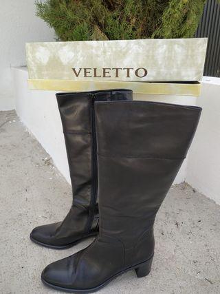 Botas negras de piel auténtica marca Veletto