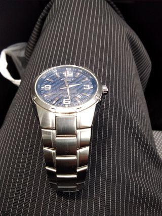 Reloj deportivo elegante
