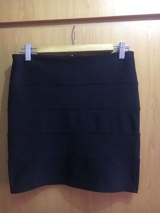 7819c1437 Falda negra ajustada de segunda mano en la provincia de Valencia en ...