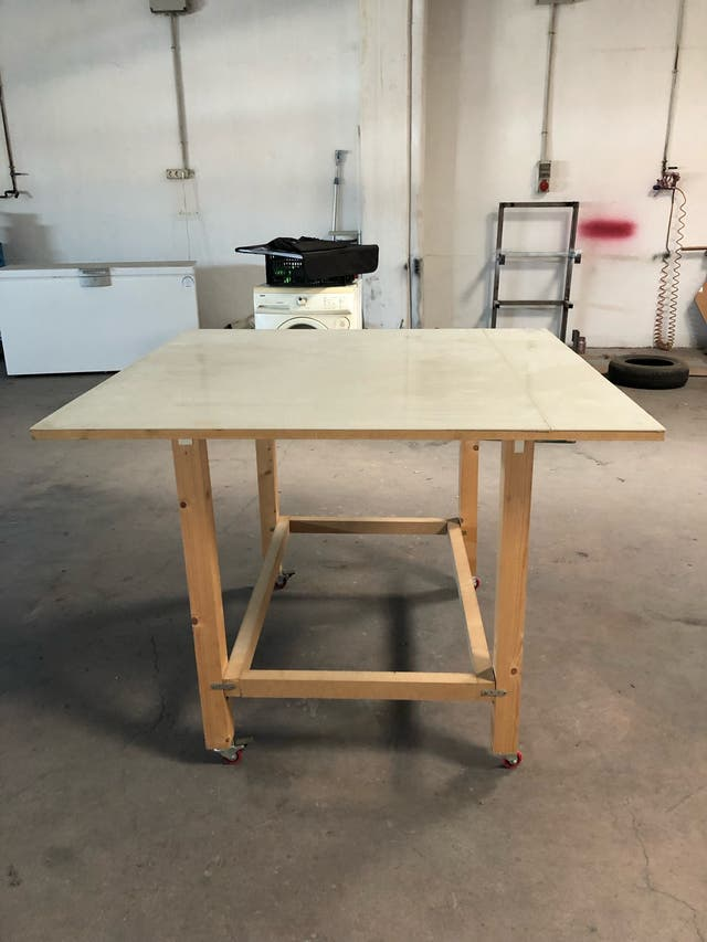 Pack 3 mesas con ruedas y polipropileno