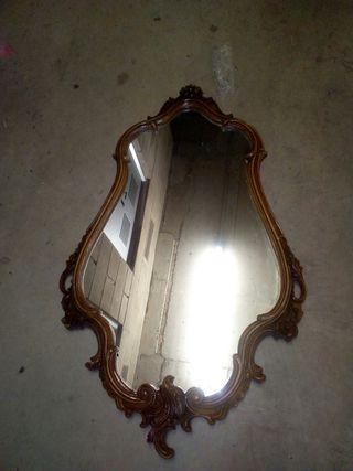 Espejo muy antiguo