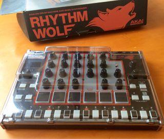 Akai rhythm wolf caja de ritmos y sinte de bajo