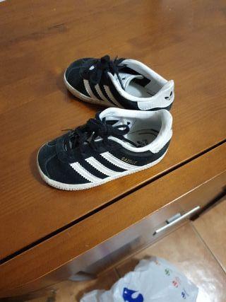 De Adidas En La Alicante Segunda Bebe Provincia Zapatillas Mano XZkiuP