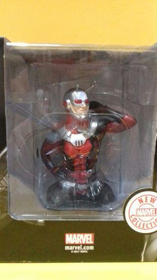 Ant - Man ( Marvel )