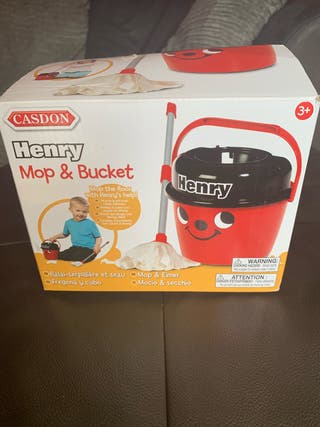 Henry mop and bucket