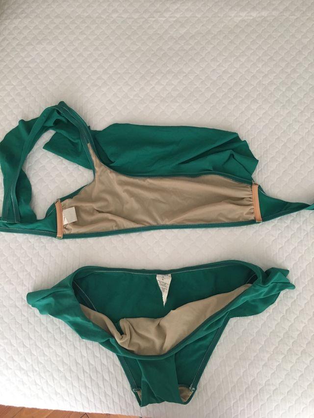 Bikini volantes verde botella