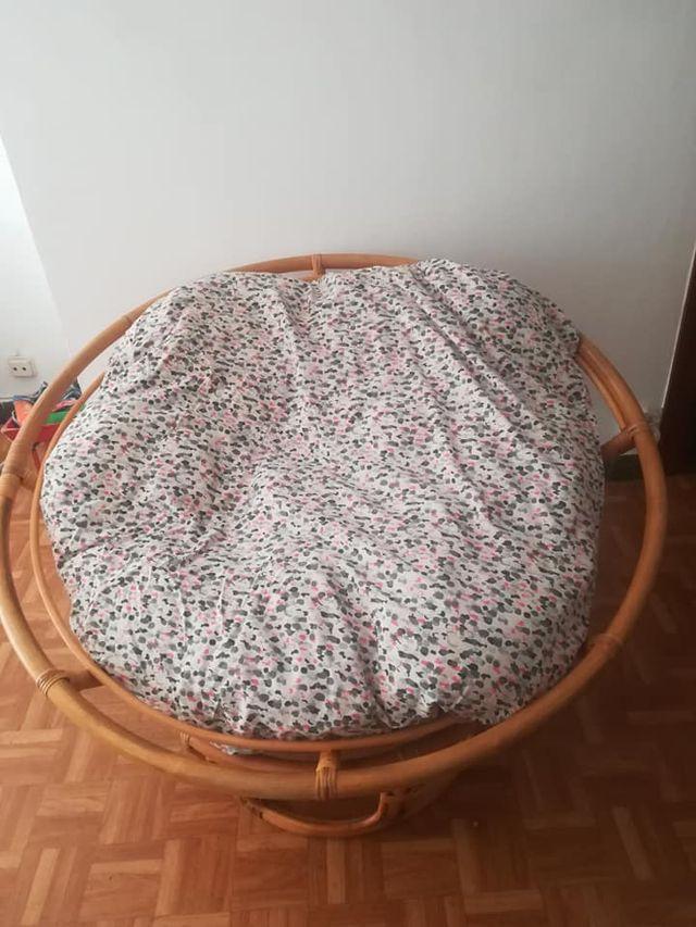 sillón de mimbre sin almohada