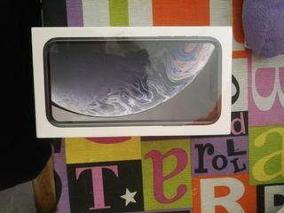 IPhone xr PRECINTADO 64g