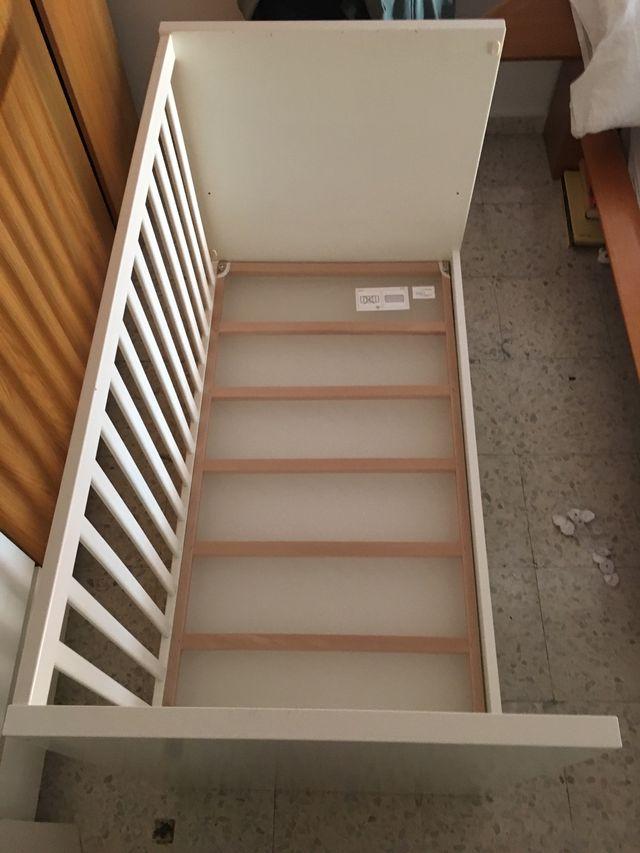 "Cuna Ikea ""Stuva"" 2013"
