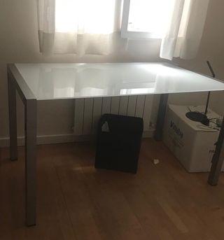 Mesa de diseño italiano + 4 sillas