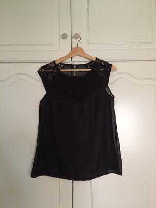 Camiseta/blusa de color negro