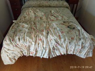 colcha, edredón, cortinas, muñecas porcelana