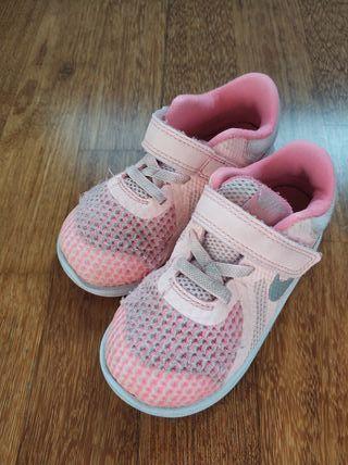 Nike num 25