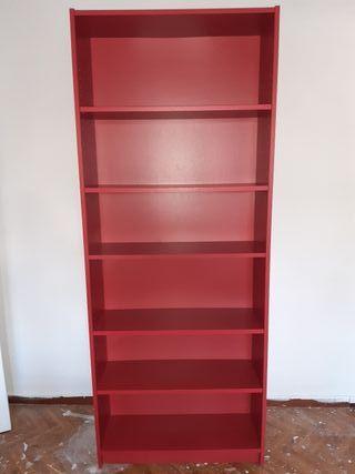 Estantería modelo Billy Ikea roja